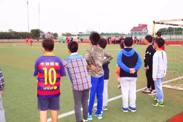 中加枫华国际学校与苏州工业园区外国语学校足球友谊赛