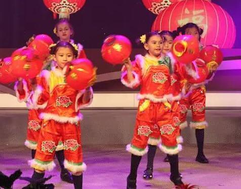 上海外籍人员子女学校展示他们理解的中国文化