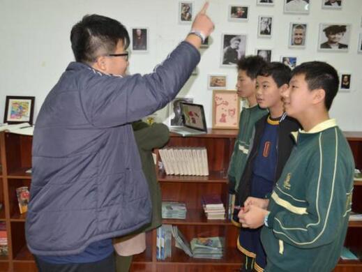 """上海枫叶国际学校八年级举行""""谁是单词王""""竞赛"""