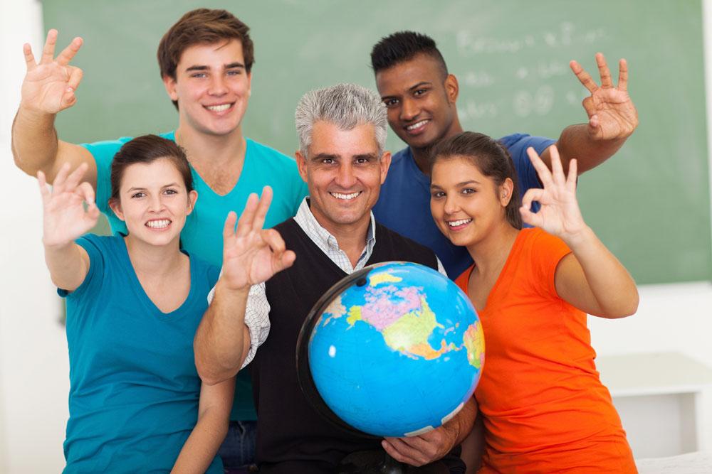 有偿带物有风险 留学生或因此被遣返