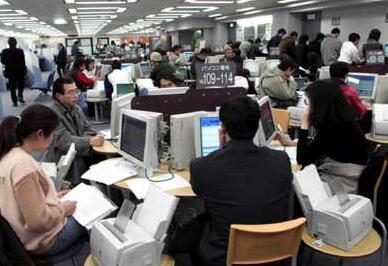 为挽留人才 日本政府将延长留学生留日求职时间