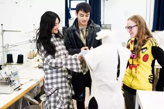 谢娜将赴意大利深造 获多莫斯设计学院全额奖学金