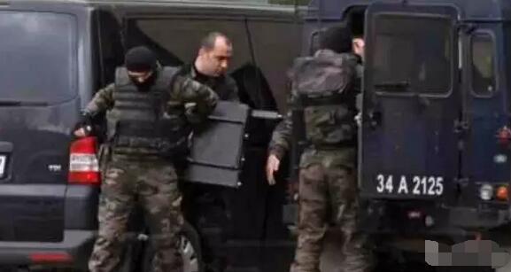 土耳其国际学校绑架案:警方救援行动中