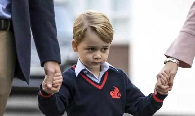 乔治小王子开学第一天全程高能委屈脸 就读学校很王室