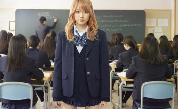 """日本学校""""逼""""学生染黑发 高三女学生要求赔偿"""