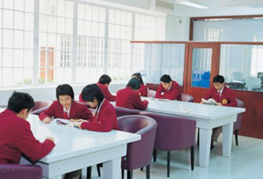 2020年深圳奥斯翰外语学校高中学费