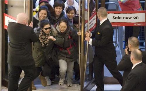 留学生为英国带来高额收入 过境受限让人心凉