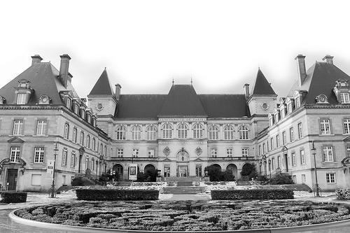 法国留学 巴黎大学城是留学生的小联合国